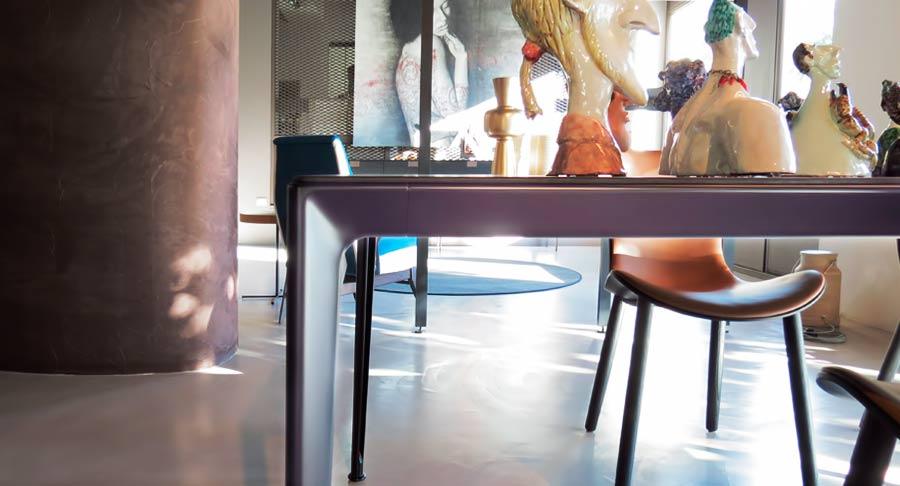 B b tavolo mirto struttura in alluminio piano in rovere for Outlet arredamento casa